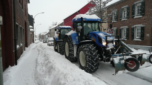 tractors as snowploughs